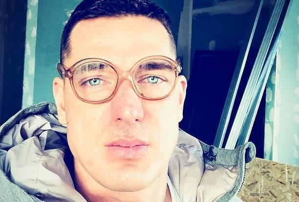 Курбан Омаров признался, почему не покидает стены загородного коттеджа даже в рабочее время