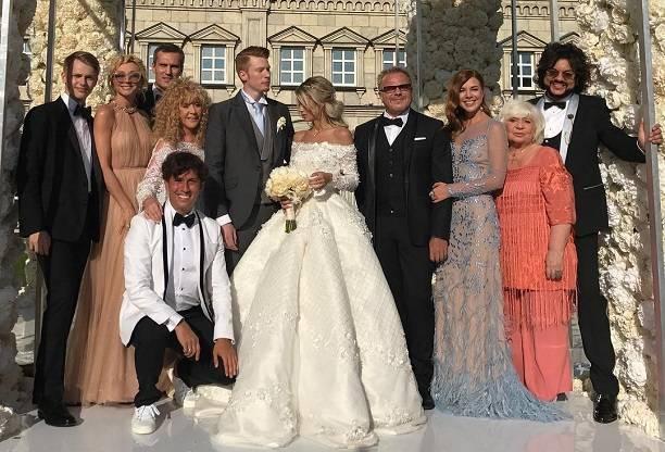 Алла Пугачева уехала со свадьбы внука сразу после танца Кристины Орбакайте и Дени