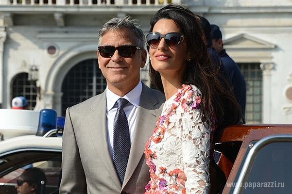 Эксклюзивные фото со свадьбы Джорджа Клуни и Амаль Аламуддин проданы двум глянцевым журналам