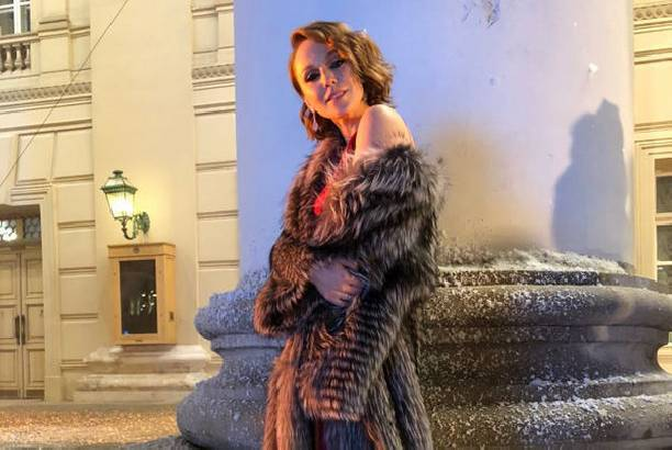 Альбина Джанабаева полностью разделась в новой фотосессии