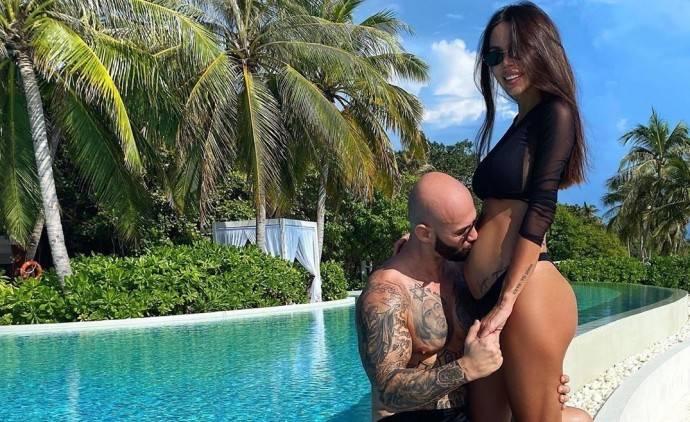Оксана Самойлова готовится родить двойню