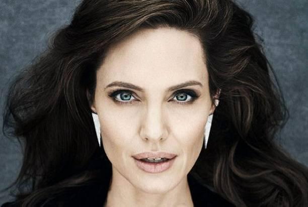 Анджелине Джоли приписывают роман с женатым коллегой