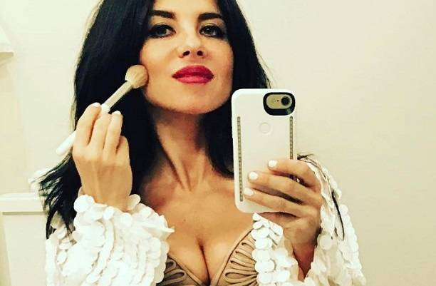 Анна Плетнева готовит эротическую фотосессию