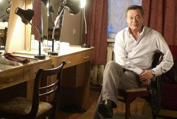 Николай Караченцов еще не начал лечение от рака
