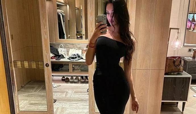 Анастасия Решетова забыла затянуть корсет и показала свою настоящую талию