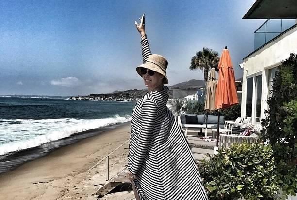 Ксения Собчак отдыхает с бывшим мужем Памеллы Андерсон и порнозвездами