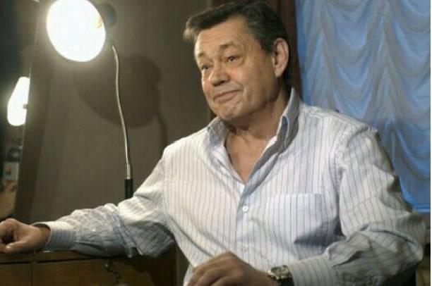 Онкобольной Николай Караченцов идет на поправку