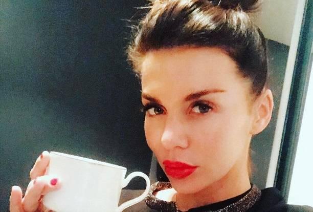 Анна Седокова запретила друзьям говорить об отце своего ребенка