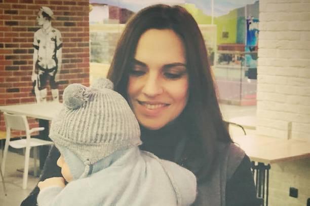 Надя Ручка поделилась милым снимком супруга с новорожденным сыном