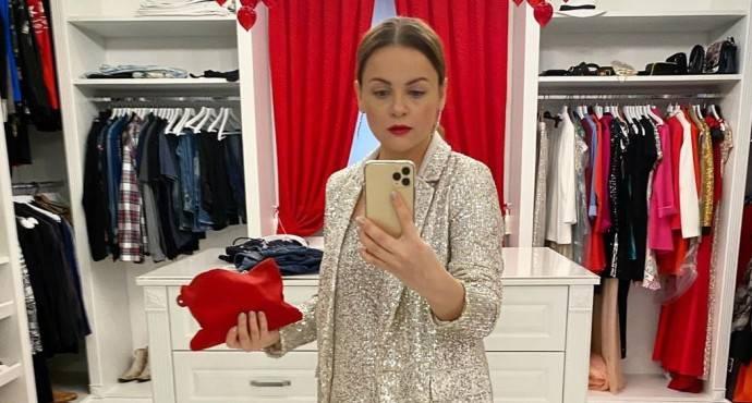 Юлия Проскурякова попрощалась с Майями, показав сомнительные пляжные фото