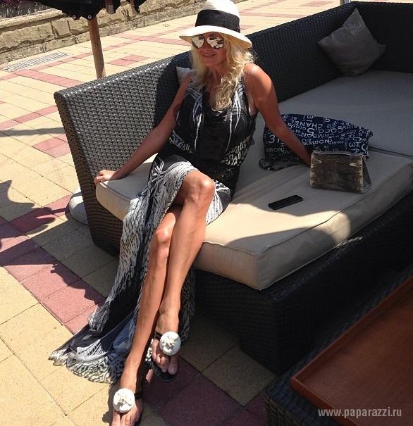 Яна Рудковская похвасталась успехами сына и показала фото в бикини