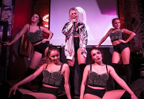 Татьяна котова устроила секс танцы с супругом наташи королевой тарзаном