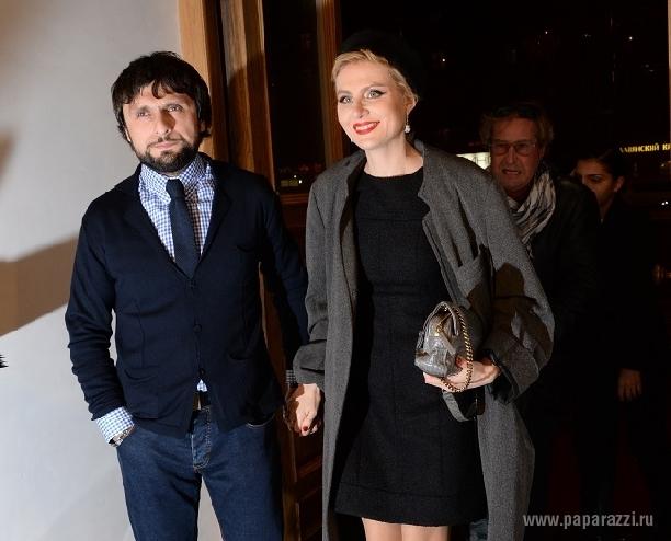 Рената Литвинова пришла на кинопремьеру без Земфиры