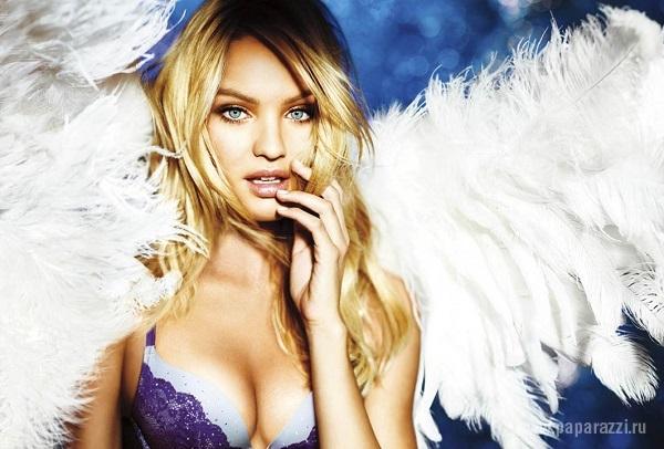 Красивая сексуальная девушка ангел