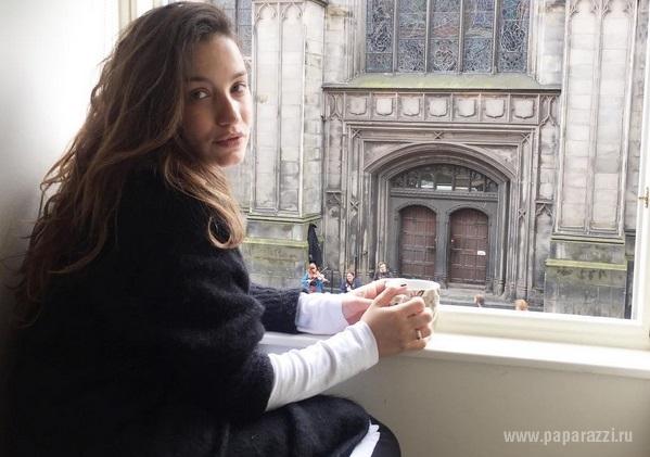Глубоко беременная Виктория Дайнеко продолжает  заниматься хореографией