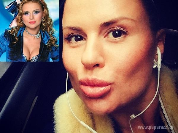 "Анна Семенович назвала свое лицо без макияжа ""мордахой"" и обнажила ""плоский"" животик"