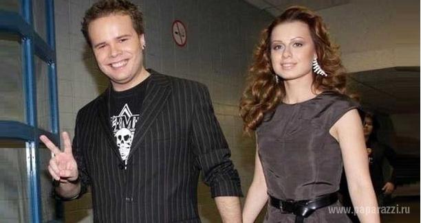 Юлия Савичева посвятила песню своему жениху