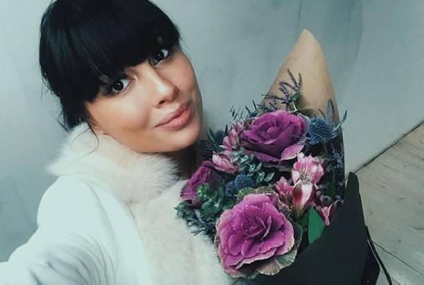 Беременная Нелли Ермолаева не собирается уходить на декрет