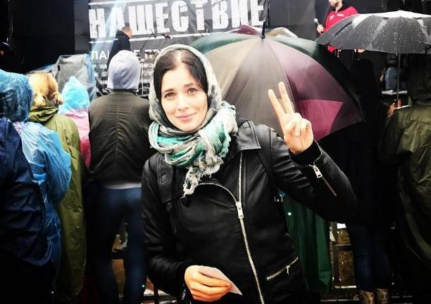 Актриса Юлия Снигирь отдохнула в компании звездных подруг