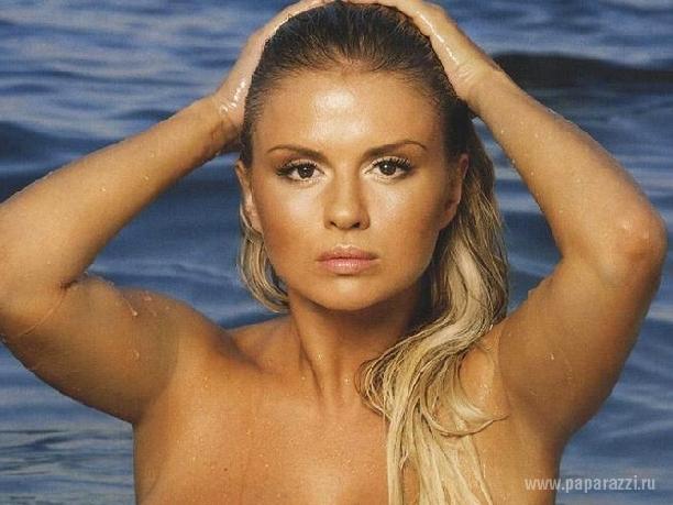 Все самые сексуальные и эротические фотки Анна Семенович собрали в одном месте