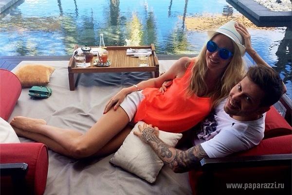 Виктория Лопырева и Федор Смолов отметили годовщину свадьбы на Мальдивах
