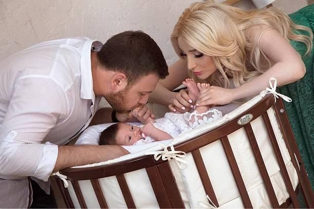 Тата Абрамсон и Валерий Блюменкранц могут накликать беду на новорождённую дочь