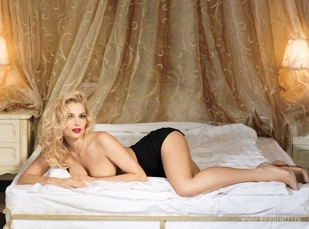 Татьяна Котова выложила пикантный снимок и доказала, что может быть привлекательна без макияжа