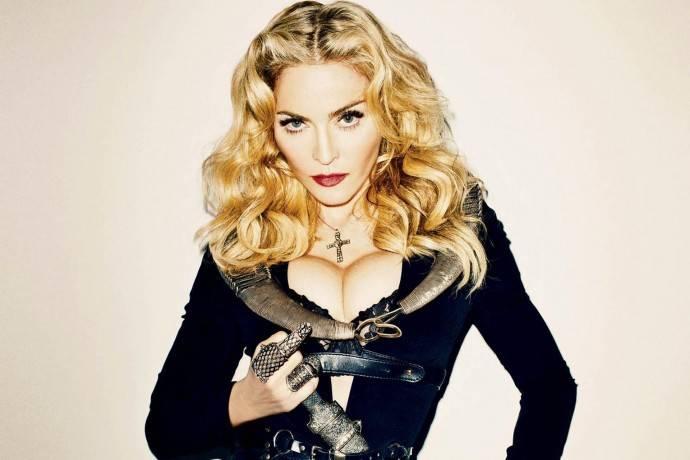 Папарацци сфотографировали Мадонну без фильтров и напугали поклонников