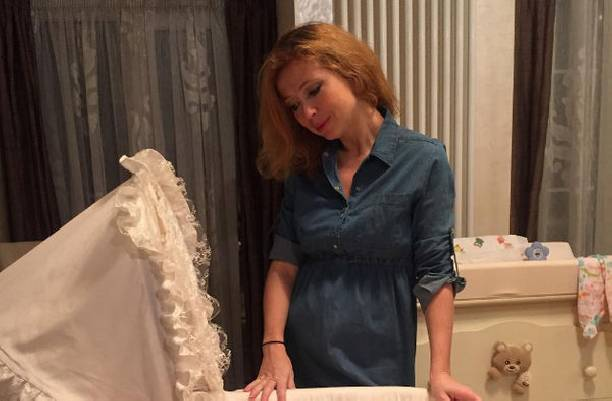 Елена Захарова через два месяца после родов вернулась к работе