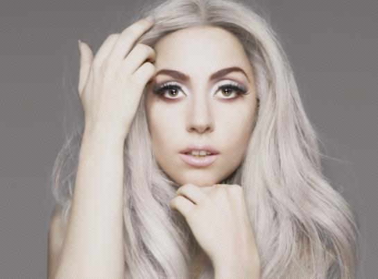 Леди Гага напугала поклонников своей корявой улыбкой