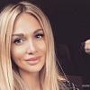 Виктория Лопырева посмеялась над папарацци и вышла на улицу с новым мужчиной