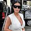 """Мягкая"" Ким Кардашян без макияжа и в пижаме снялась для испанского Vogue"
