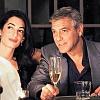 Папарацци подловили Джорджа Клуни, целующегося с блондинкой