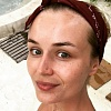Полина Гагарина опубликовала снимок без макияжа и в мужской рубашке