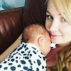 Вслед за видео-посланием мужу Курбану Омарову, Ксения Бородина опубликовала снимок дочурки Теоны