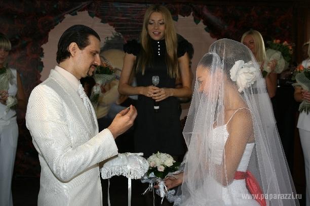 Солистка группы «Ассорти» вышла замуж