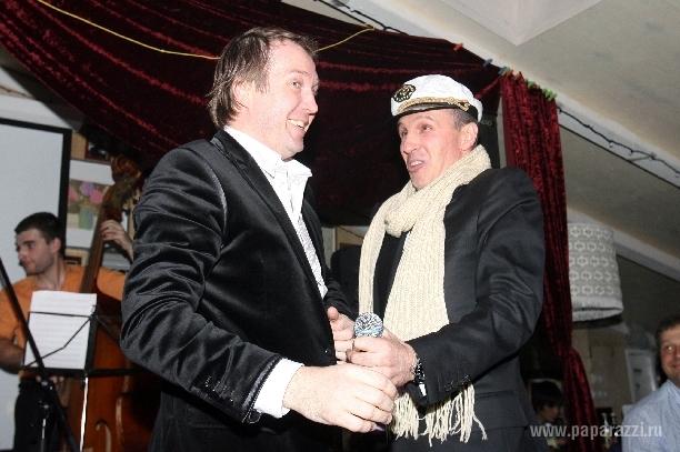 Евгений Миронов нашел себе пару