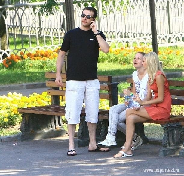 Кирилл Сафонов и Саша Савельева решили спеть дуэтом