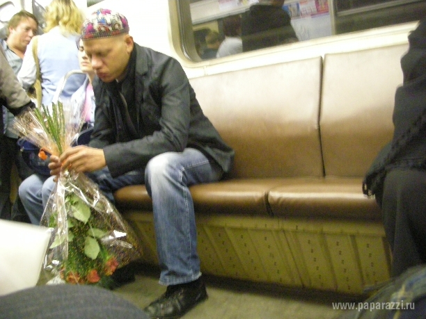 Дала незнакомцу в метро фото 572-472