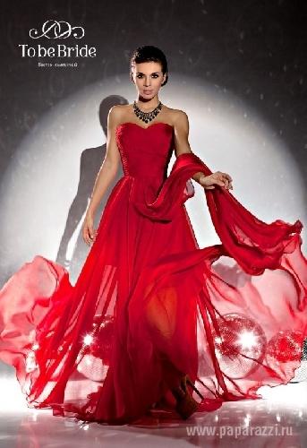Анна Седокова пристрастилась к красному цвету