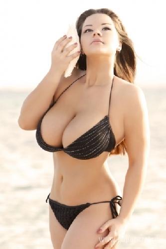 Нереальная грудь