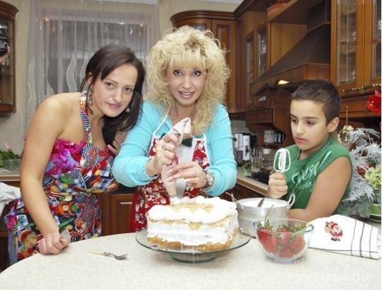 ирина аллегрова и ее семья фото удобнее выполнить отдельном