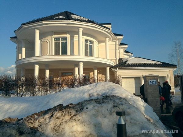 В сети опубликовано первое фото особняка Веры Брежневой за 2 миллиона долларов