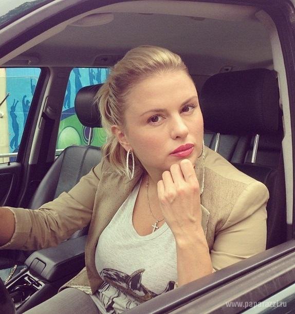 Анна Семеновчич выложила фото в бикини с отдыха