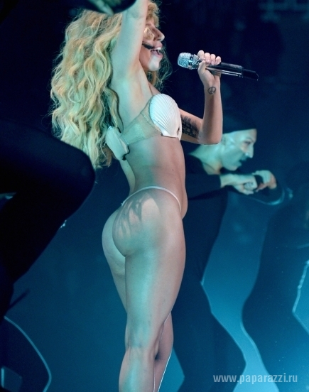 Леди Гага превратилась в поросенка