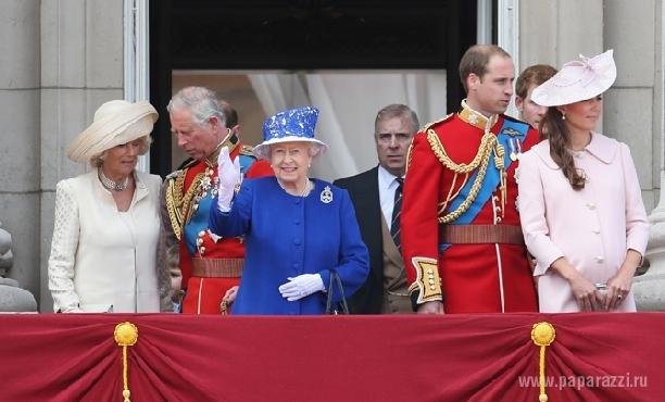 Пока Кейт Миддлтон на больничном: графиня Уэссекская приняла военный парад