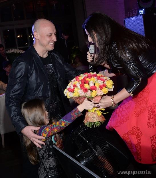 майданов познакомился с женой