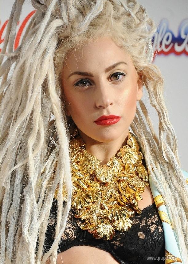 Леди Гага обозвала Бритни Спирс, а затем предложила сотрудничество