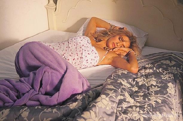 фото в постели бесплатно смотреть