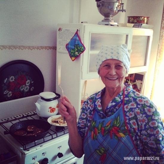 Ирина Шейк представила эротическое новогоднее видео